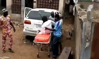 Kwara state governor sacks official for 'careless handling' of suspected COVID-19 patient (video)