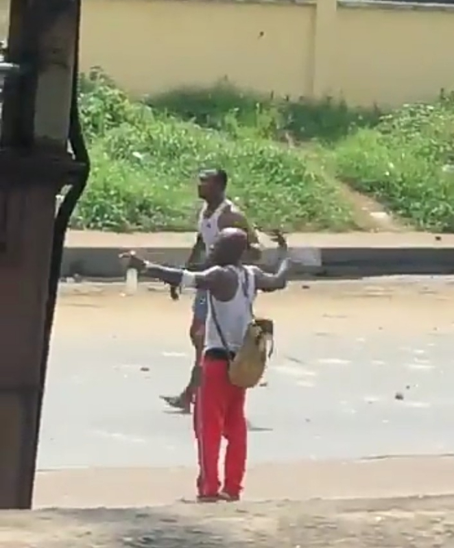 Bullets unable to penetrate youths in Port Harcourt as the use Charm Proof (Video)